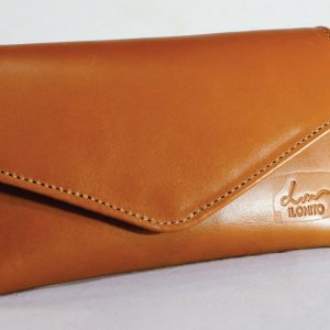 Tan leather ladies' wallet perfect for the handbag and to carry on its own when need be